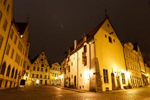 Private Winter Walking Tour in Tallinn Old Town