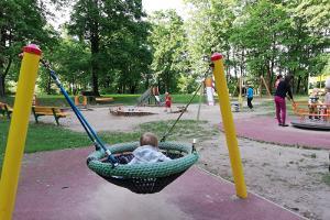 Toomemäe pargis on mänguväljak ja spordiplatsid