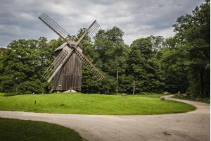 Tallinn Private Old Town Walking Tour & Open Air Museum Visit