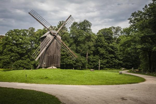 Exkursion in der Altstadt Tallinns zu Fuß und Besuch des Estnischen Freiluftmuseums