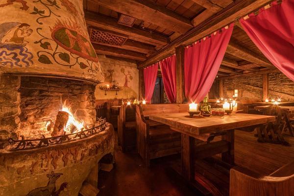 Provsmakning av medeltida öl och Tallinns guidade legendtur