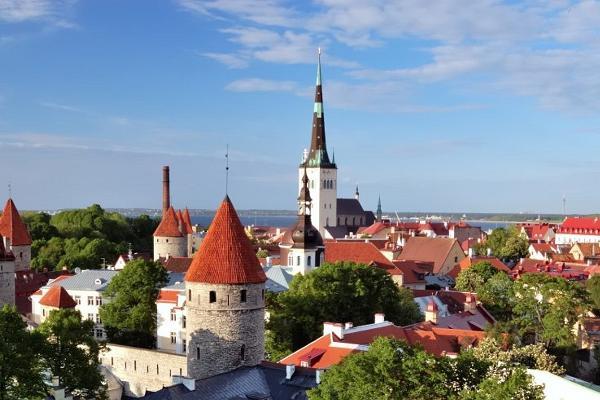 Tallinna vanalinna jalgsiekskursioon edasi-tagasi transfeeriga sadamast või hotellist
