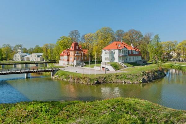 Exkursion mit Fremdenführer auf die Inseln Muhu und Saaremaa