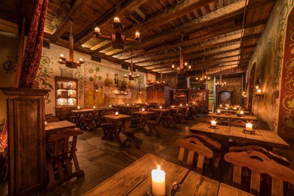 Tallinna legendide ekskursioon ja keskaegne sööming