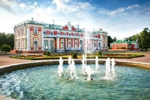 Tagesfahrt von Helsinki aus mit einem Spaziergang in der Altstadt Tallinns und einer Rundfahrt in Kadriorg und Pirita
