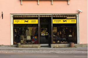 Souvenirbutik Must Kass i Võru