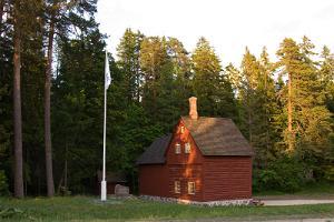 Roela Cone Hut Museum