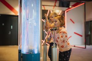 WOW ģimenes atrakcijas un interaktīvs izklaides centrs