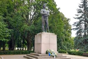 Kaleva dēls (Kalevipoeg) - Brīvības cīņu piemineklis
