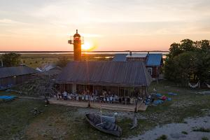База отдыха на острове Вийрелайд
