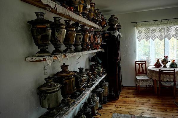 Samovar house in Varnja