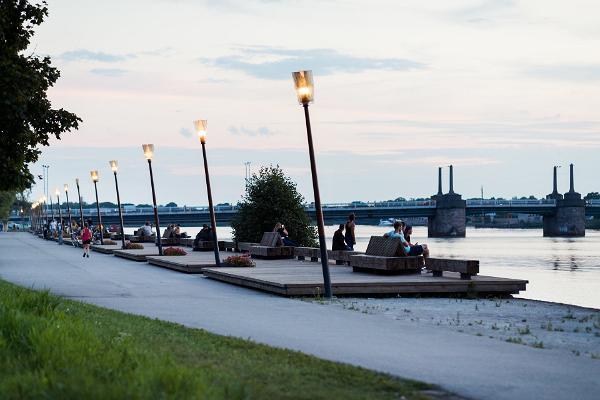 Pärnun joen vasemman rannan kuntopolku eli Jaansonin polku