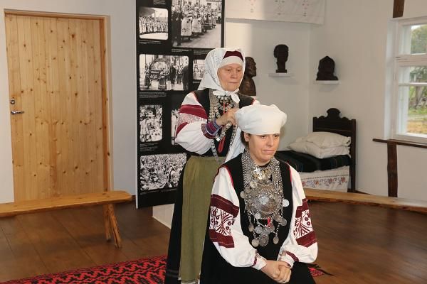 Getting dressed as a seto in obinitsa museum