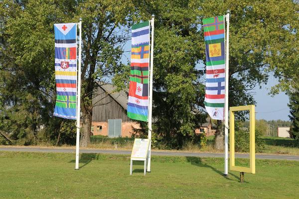 Obinitsa flag square finno ugric flags