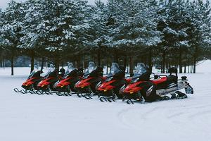 Походы на снегоходах в центре отдыха Тоосиканну