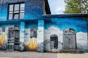 Tallinn Street Art Tour In Telliskivi