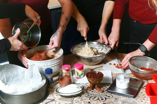 """Maltītes gatavošana hosteļa """"Looming"""" virtuvē"""