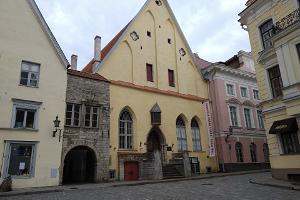 Tallinna vanalinn - pikast lühikese jalani, kas linn tõesti lonkab?