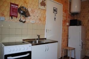 Aadelheide Family Apartments_kitchenette_visitestonia_puhkaeestis