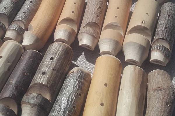 Mitmest eri puust vilepillid - Vilepilli valmistamise töötuba