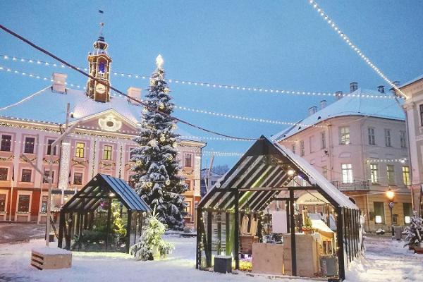 Tartu Town Hall Square in winter
