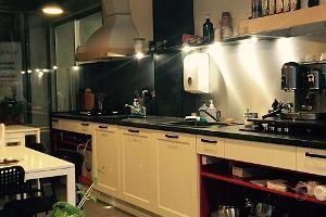 Küche von MyItaly, in der italienische Gerichte zubereitet werden.