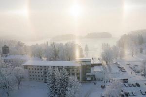 Pühajärve Spa & Erholungszentrum im Winter aus der Vogelperspektive