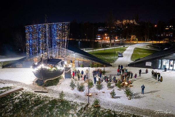 Lotja Jõmmu Lodjakodan teemapuiston joulupihalla