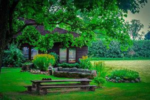 Den harmoniska trädgården i Loodus BioSpa naturbehandlingscentrum