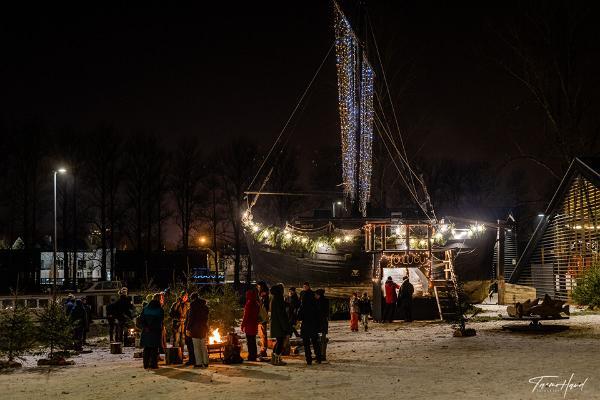 Maagilises Lodjakoja Jõuluõues, otse Emajõe ääres asub saun
