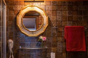 Det mysiga tvättrummet i Hansatall iglu- och tunnbastu