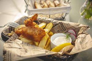Alatskivi Mõisa Tall pub, fish and chips