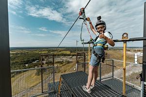 Die längste Seilrutsche Estlands im Abenteuerzentrum Kiviõli