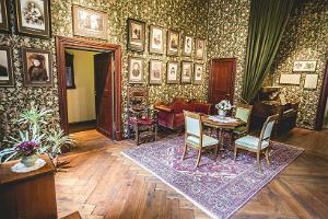 Alatskivin linnan paronittaren makuuhuone