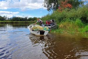 Seine fishing on the Emajõgi River