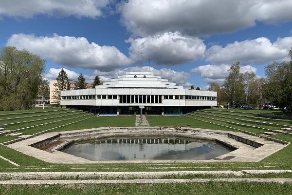 Nõukogude Eesti arhidektuuripärandi avastusretk koos giidiga