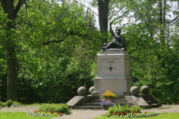 Vapaussodassa kaatuneiden muistomerkki Lembitu Suure-Jaanissa