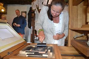 Tryckning på tryckpressen i Lubokgården