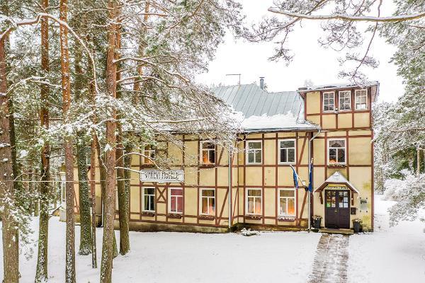 Motel Verevi, Außenansicht im Winter