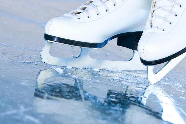 Tamme staadioni uisuväljak, iluuisud jääl