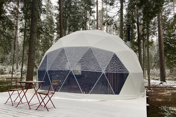 Tiku Semesterstugor, bubbelhuset på vintern