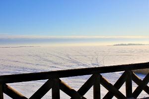 Putnu vērošanas tornis Repinas poldera aizsargājamajā teritorijā