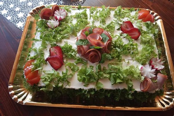 Kohvik Maitsev Suutäis catering valmistab ka torte