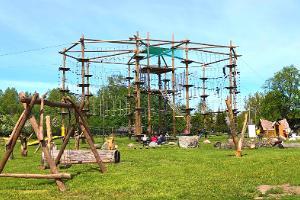 Asva Vikingabys äventyrspark