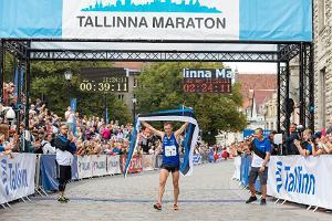 Tallinnan maratonin 42,2 kilometrin juoksun voittaja