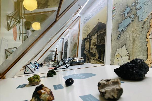 """Näitus """"GEO200: kaks sajandit geoloogiaõppe algusest Eestis"""""""
