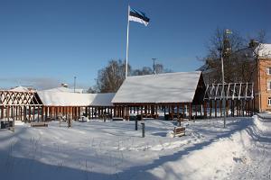 Der estnische Flaggenmast in Otepää