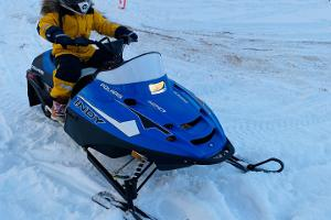 Laste mootorkelgusõidud erilisel lumerajal