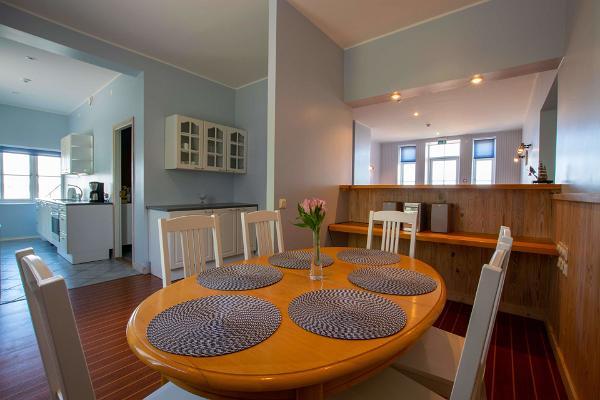 Villa Kuus Sõlme, dining room