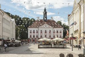 Архитектурная пешая прогулка по Тарту: романтическая ратушная площадь Тарту